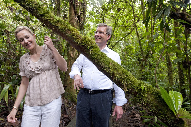 Bundespräsident im Regenwald