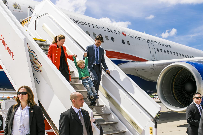 Ankünfte der Teilnehmer auf dem Flughafen
